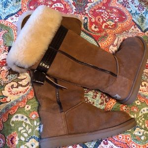Ugh Genevieve Bow Tall Chestnut Boots!! 🎀